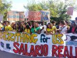 Na fotografii společná manifestace imigrantů s občany města Castel Volturno, 2014